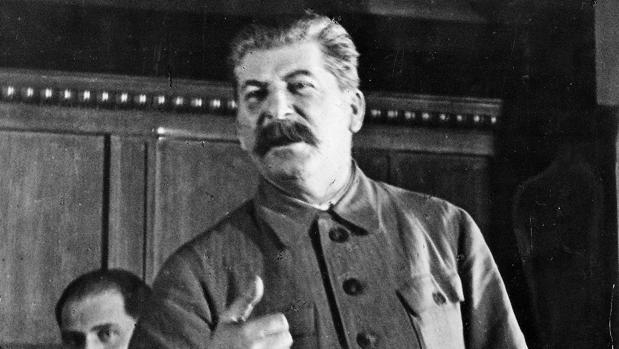 Iósif Stalin sobre lanación